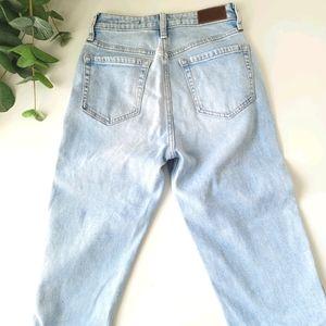Hollister Ultra high rise waist mom jeans vintage